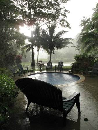Hacienda Jacana: The other sort of pool...