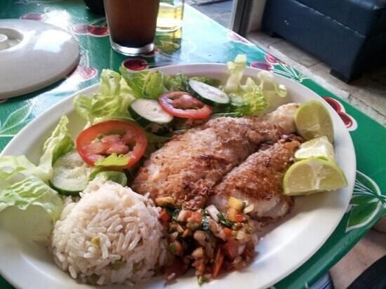 Santos Mariscos: Filete de pescado