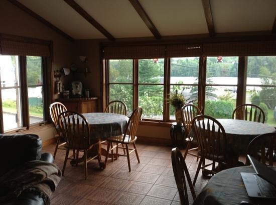 Au Repos du Draveur: la salle du petit dejeuner