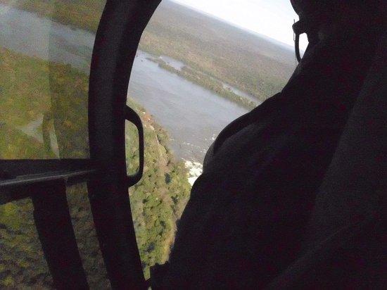 Helisul Taxi Aereo Voos Panoramicos: peça janela do helicóptero