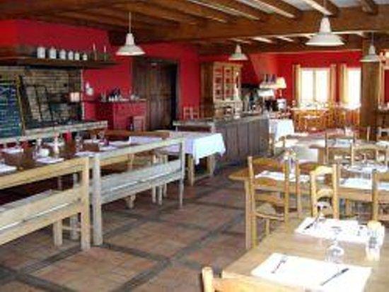 Golf d'Arcangues Restaurant : La salle chaleureuse du restaurant