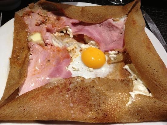 Creperie Le Bretagne : chèvre œuf jambon