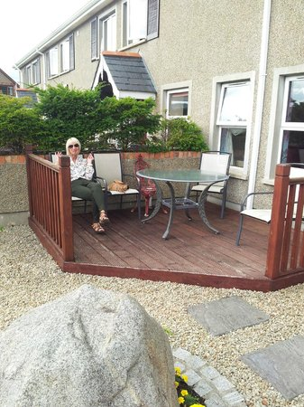 Newcastle Country Cottages: our own patio area