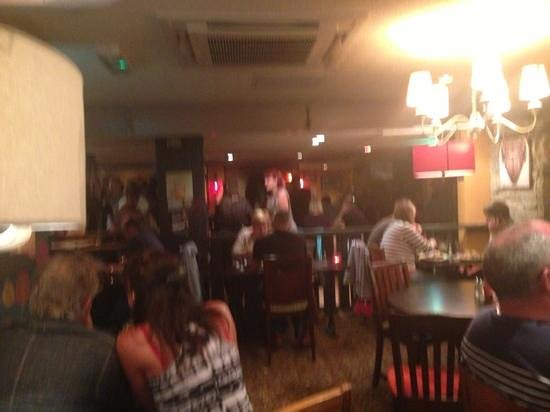 Red Lion: very busy place food is amazing