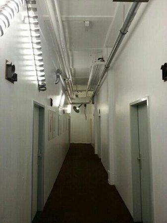 Hotel Transit: Uno dei corridoi