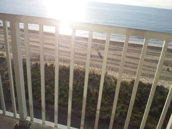 Quality Inn & Suites Beachfront Ocean City: Morning view