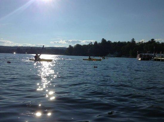 The Naswa Resort: Sunset kayak race!