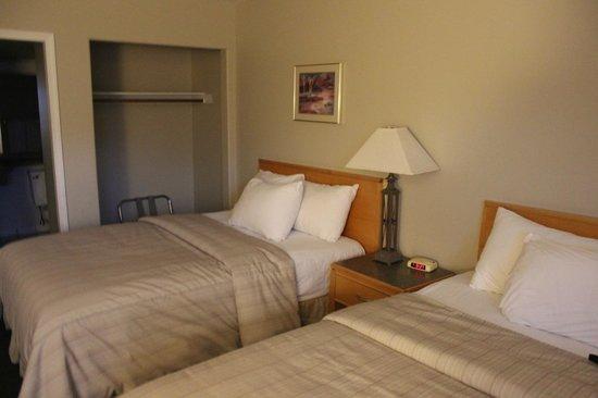 Days Inn Golden: Bed