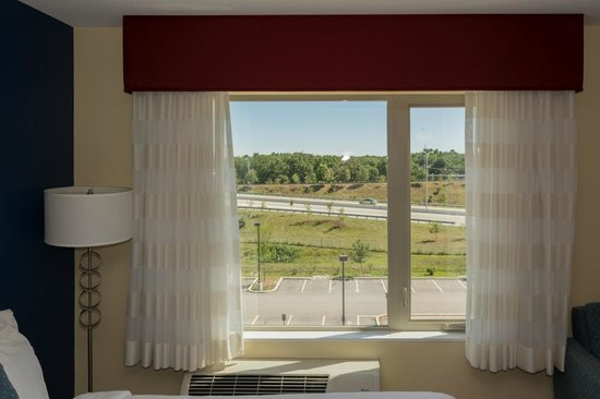 TownePlace Suites Providence North Kingstown: 417 View