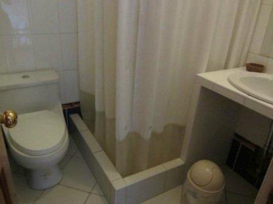 Tikawasi Valley Hotel: bagno