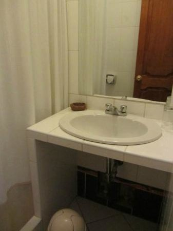 Tikawasi Valley Hotel: bagno 2
