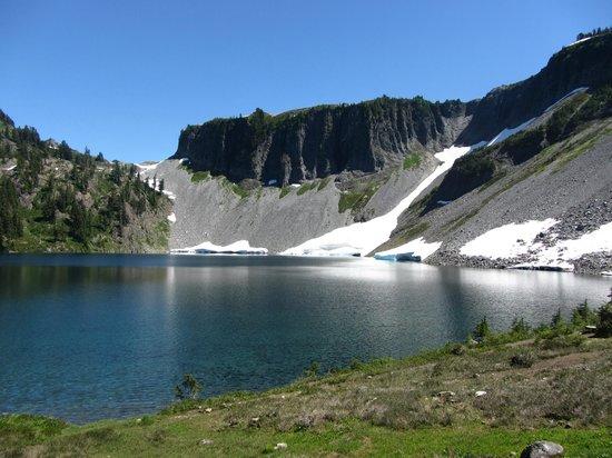 Chain Lakes Loop : Iceberg Lake