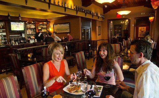 Marc Restaurant : The Vineyard Lounge