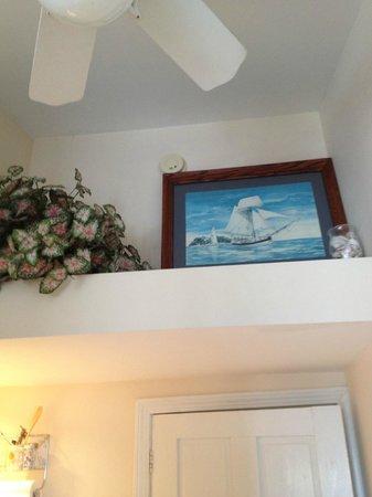 Windjammer By The Sea: decoration above door