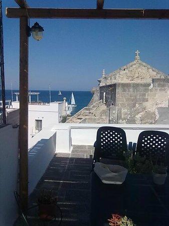 La terrazza attrezzata - Carpe diem, San Salvatore - Picture of ...