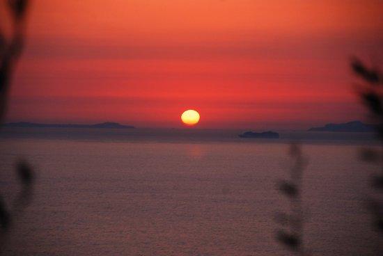 Villaggio Turistico Baia Serena: Wenn bei Capri die rote Sonne im Meer ......