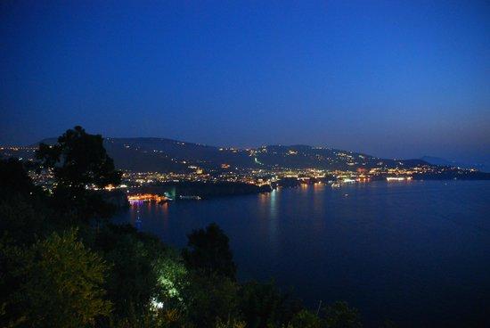 Villaggio Turistico Baia Serena: Abendessen mit herrlichem Sorrent-Blick