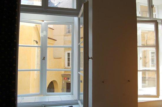 Hotel Casa Marcello: Windows of suite 109