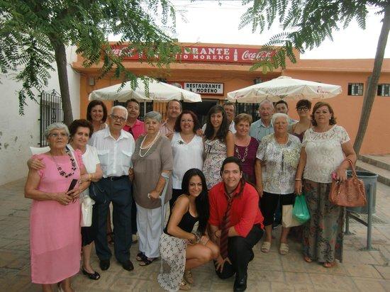 Restaurante Antonio Moreno: En la puerta del restaurante