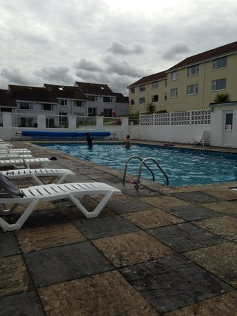 Surf view apartments updated 2016 apartment reviews newquay cornwall tripadvisor for Hotels with swimming pools in cornwall