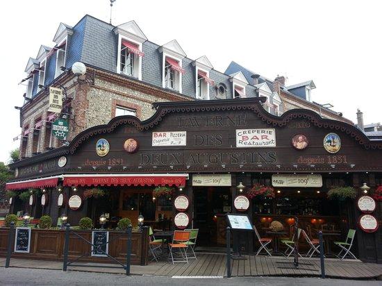 Hotel Restaurant La Taverne des deux Augustins: hotel Augustins