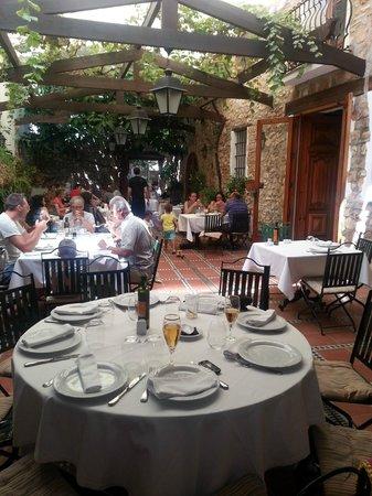 Nou Roma Restaurant