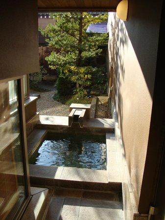 Hoshino Resorts KAI Matsumoto: private out door hot tub