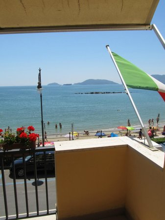 Hotel Florida Lerici: view from balcony