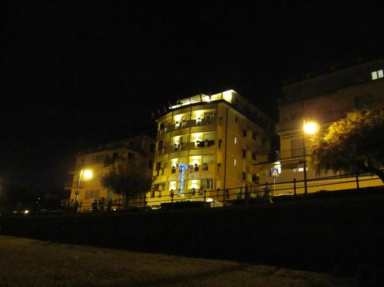 Hotel Florida Lerici: from the beach