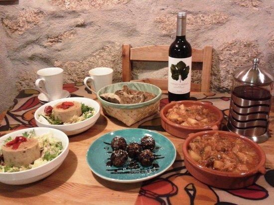 Caserio da Castineira: Cena vegetariana para dos en la habitación. ¡Todo un lujo!