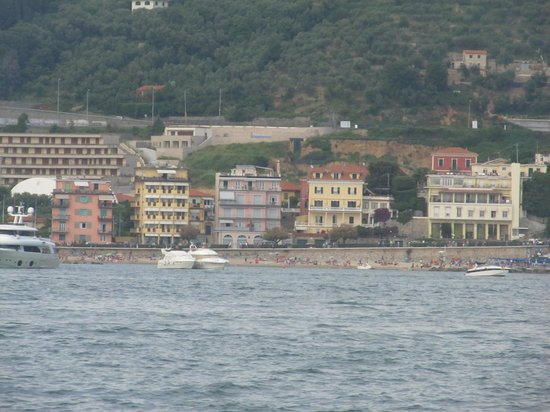 Hotel Florida Lerici: hotel from the water, yellow building on the left