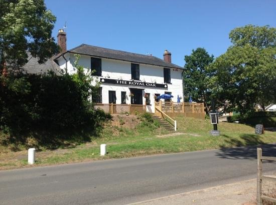 The Royal Oak Village Pub & Kitchen: The Royal Oak Nonington
