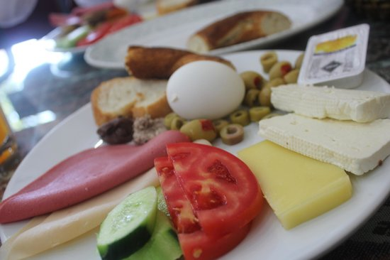 Q Apartment Istanbul: Breakfast