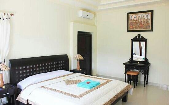 Three Dewi's Guest House : deluxe room