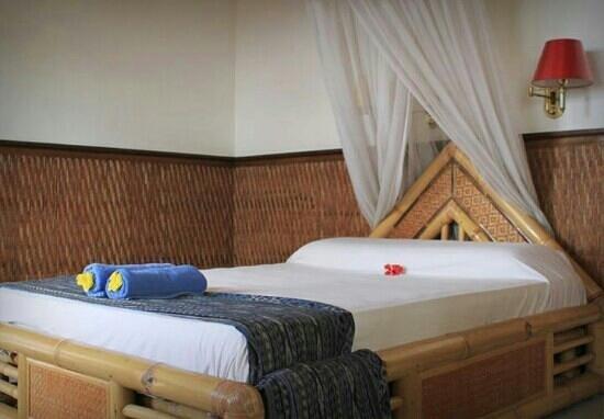 Three Dewi's Guest House : standar room