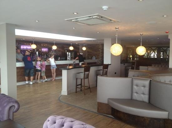 Charmant Best Western The Hotel Hatfield: Hatfields New Terrace Bar