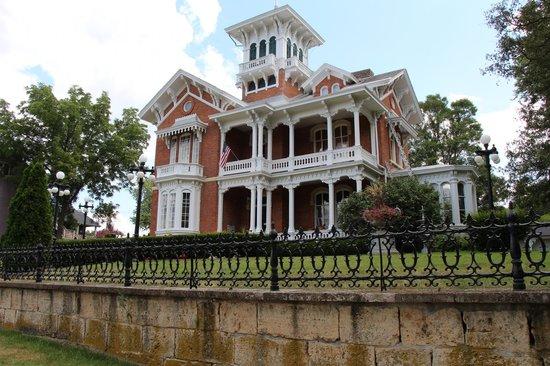 Belvedere Mansion: front