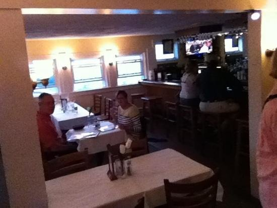Black Bass Grille: inside seating
