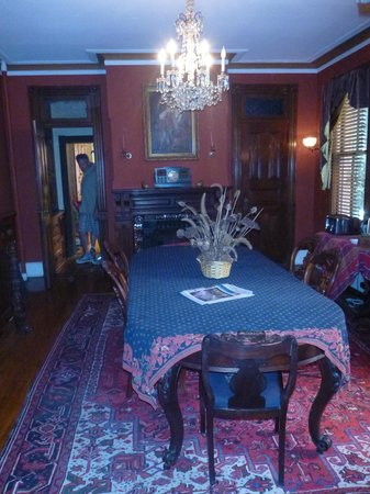 Chester Arthur House B & B at Logan Circle: Dining Room