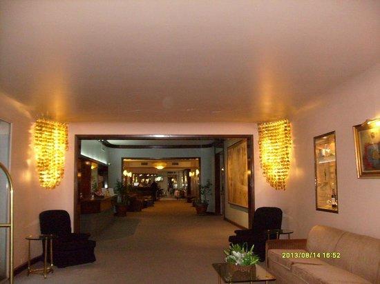 Gran Hotel Dora: Recepción
