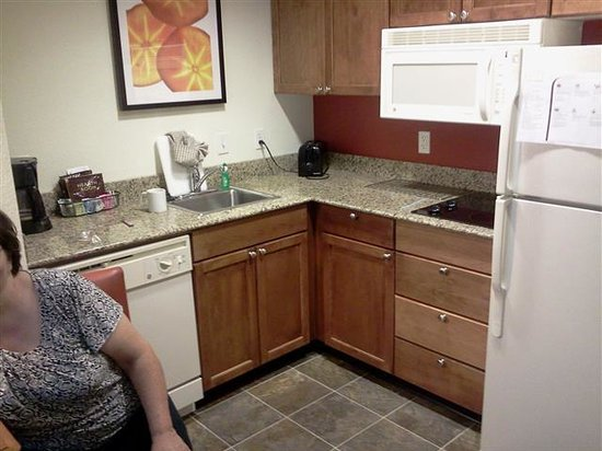 Residence Inn Morgantown: Kitchenette