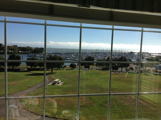 Inn at Oyster Point: View in the morning of the marina