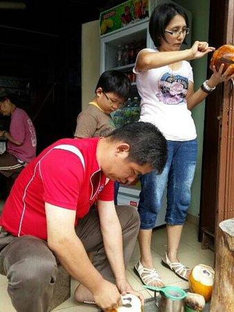 Pangkor Guesthouse SPK: Coconuts Drink @ SPK Guesthouse