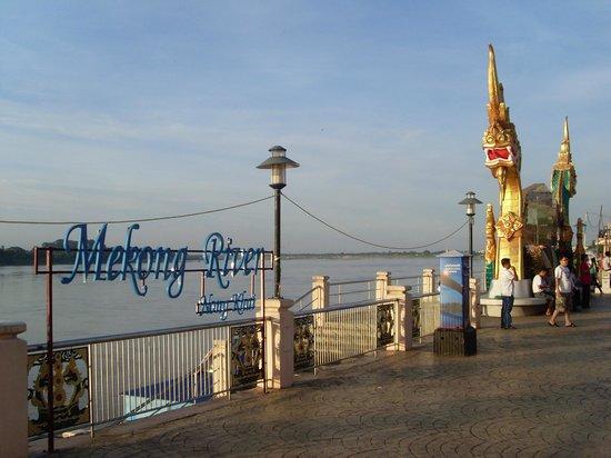 Mekong Riverside: Mekong River near hotel
