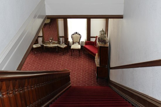 Decker Hotel: View down the staircase
