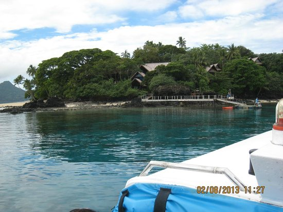Royal Davui Island Resort: Approaching the island