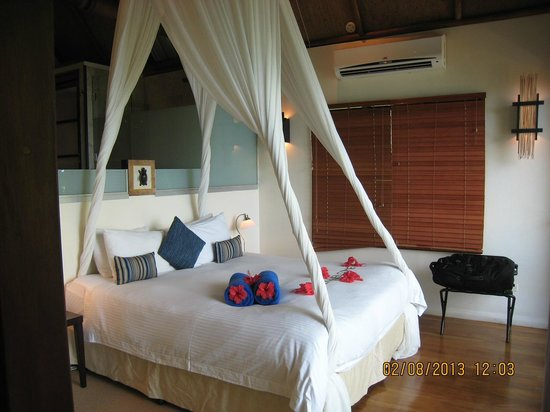 Royal Davui Island Resort: The bed- very comfy