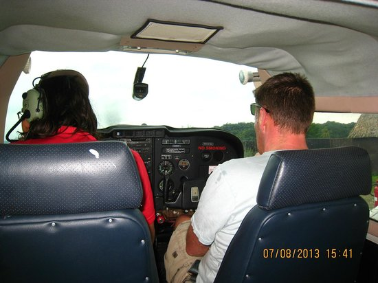 Royal Davui Island Resort, Fiji: the cessna over to island