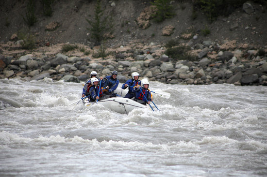 McCarthy, AK: Rafting the Land of the Giants on the Kennicott River