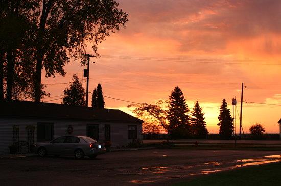 Sunrise at Harborview Motel